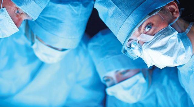 Cerrah, hastayla karşı karşıya kalmamalı