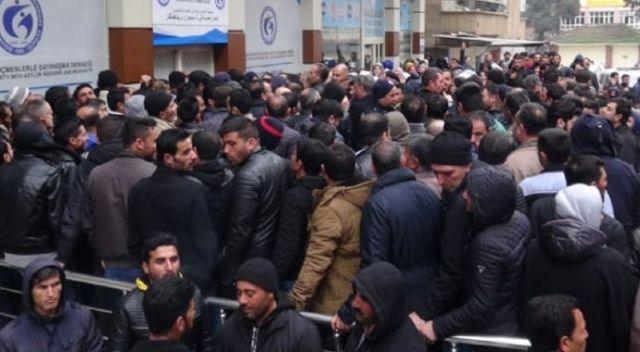 Suriyelilerin Avrupa'ya gönderileceği söylentisi izdihama neden oldu