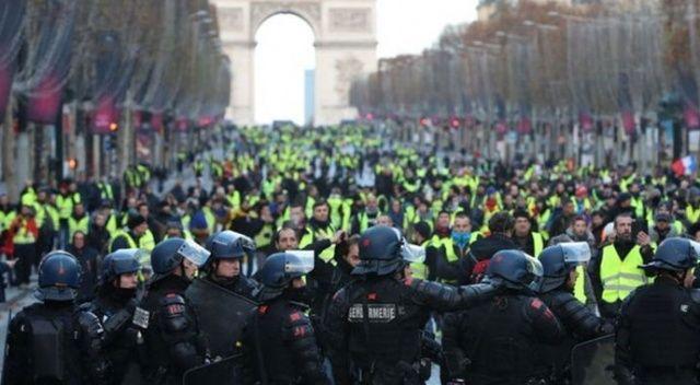 Fransa'daki gösterilerde 8 bin 400 gözaltı