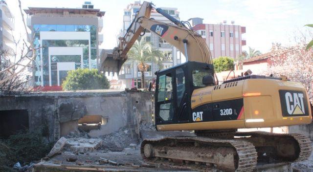 Metruk bina yıkımında görünmez kaza