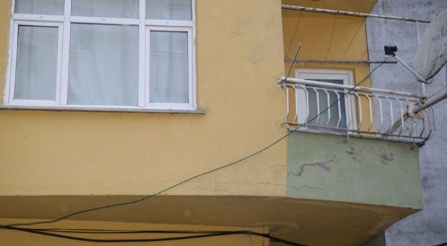 Rize'de duvarları çatlamaya başlayan 8 katlı bina tahliye edildi
