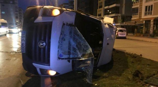Samsun'da servis minibüsü kaza yaptı: 2 yaralı