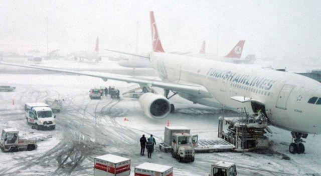 Uçuşlara kar engeli: 4 sefer iptal edildi