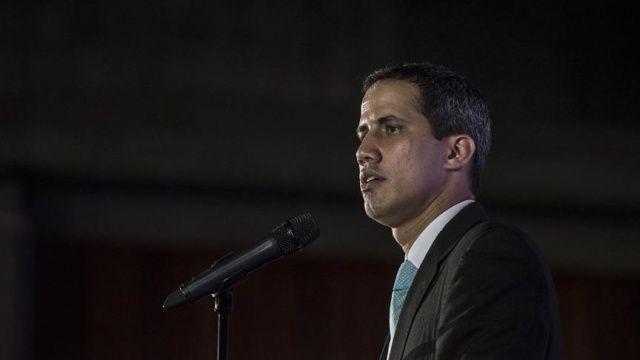Venezuela'da muhalif lider yardımların ülkeye girişi için tarih verdi