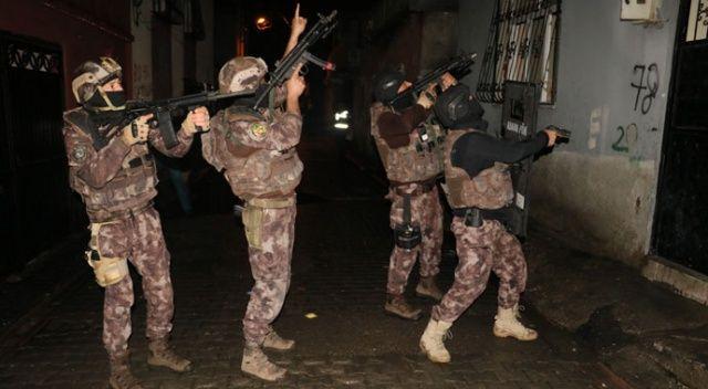 Adana'da sokak çetelerine operasyon: 15 gözaltı