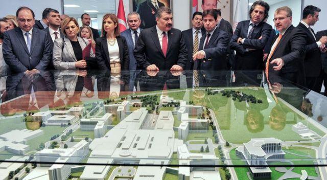 Sağlık Bakanı Koca, Hacettepe, ODTÜ, Bilkent ve Şehir Hastane'sinin olduğu bölgede bir sağlık vadisi yapılmasıyla ilgili adımların atıldığını duyurdu. ile ilgili görsel sonucu