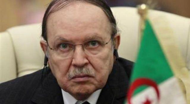 Buteflika, Bağımsız Seçim Denetim Komisyonu'nu feshetti