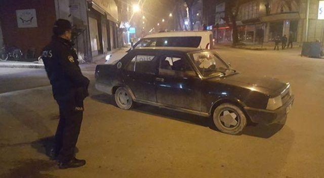 Çalıntı otomobil polis ekiplerince 10 dakika sonra yakalandı
