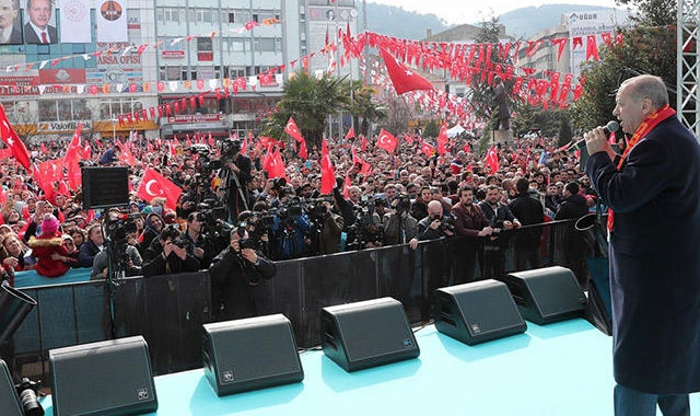 Cumhurbaşkanı Erdoğan: Adamda her türlü yolsuzluk var