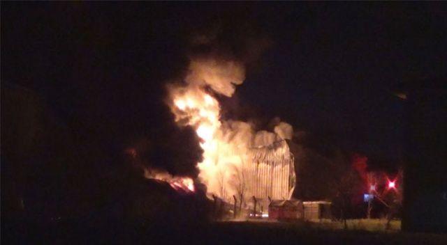 Diyarbakır'da fabrika yangını! İtfaiye ekipleri seferber oldu