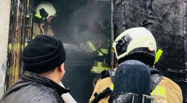 Elektrik kontağından çıkan yangın ünlü mekânı kül etti