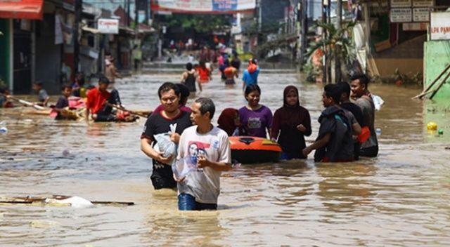 Endonezya'da sel felaketi: 42 ölü