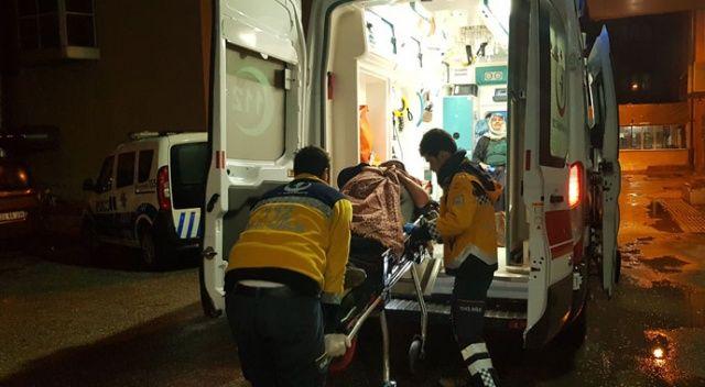 Erzincan'da otomobil şarampole devrildi: 5 yaralı