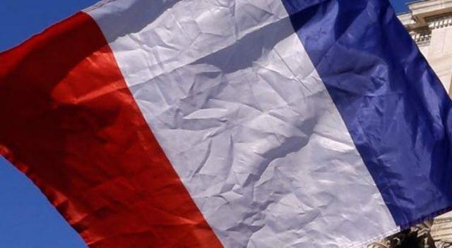 Fransa, Buteflika'nın adaylığını geri çekmesinden memnun