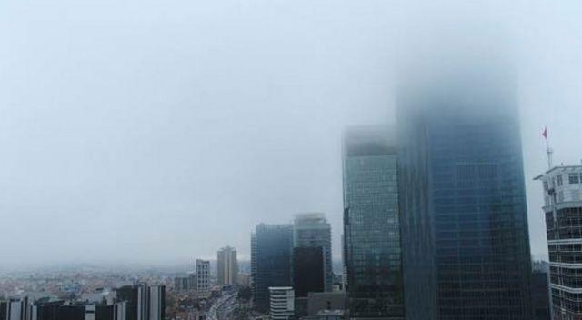 Gökdelenler sis içinde kaldı