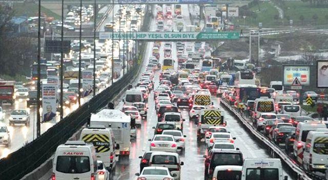 İstanbul'da trafik yoğunluğu! Durma noktasına geldi