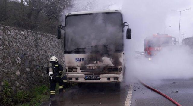 Midibüs seyir halindeyken alev aldı, yolcular ölümden döndü