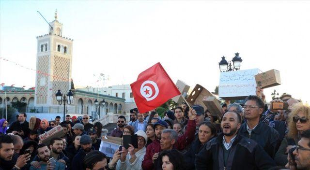 Tunus'ta 'bebek ölümleri' krizi sürüyor