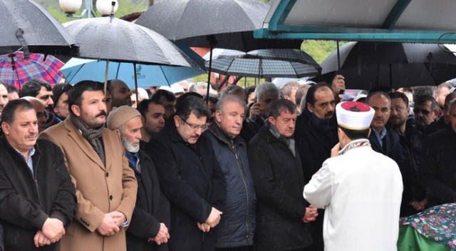 AK Parti İl Başkanı Revi'nin acı günü