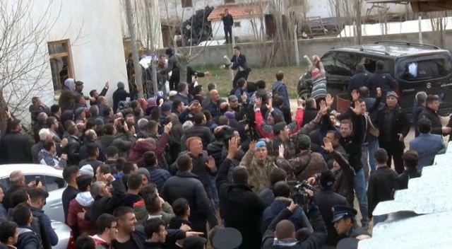 Ankara Valiliğinden Çubuk'ta sopa dağıtıldığı iddiaları hakkında açıklama