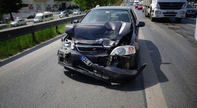 E-5'te 3 araç birbirine girdi: 3 yaralı