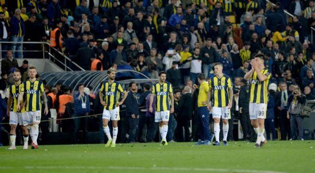 Fenerbahçe dört derbide de geriden geldi