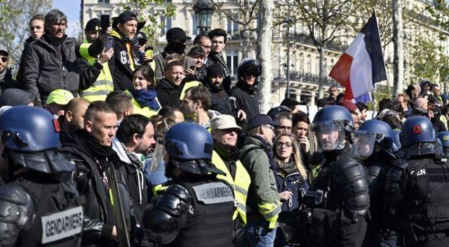 Fransa'da 45 sarı yelekli gözaltına alındı