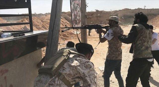 Hafter güçleri Trablus'ta yerleşim bölgelerine saldırdı: 4 ölü, 20 yaralı