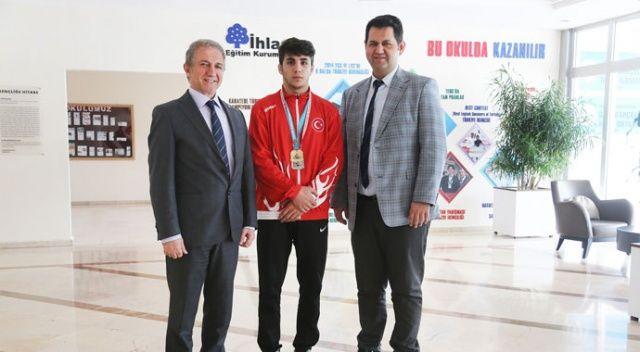 İhlas Koleji'nden Furkan Taş, Zafer Kupası'nda şampiyon oldu