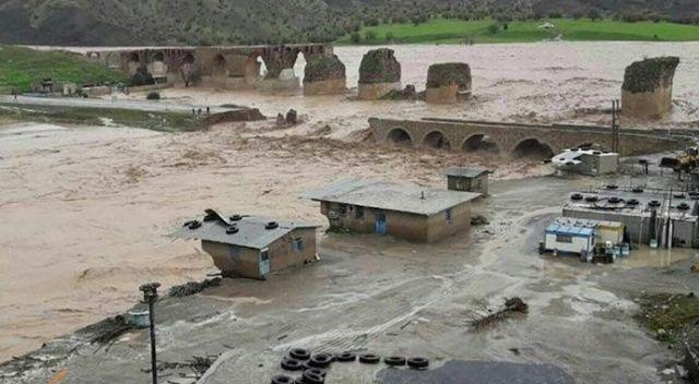 İran'daki sel felaketinde 730 tarihi yapı zarar gördü