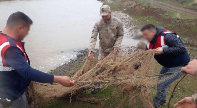 Kaçak inci kefali avcılığı yapan 4 kişiye 13 bin TL para cezası