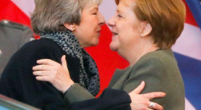 Merkel ve May'den Brexit zirvesi