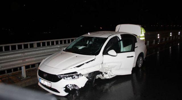Otomobile çaptı, sağ ön tekeri koptu, 200 metre ileride durabildi