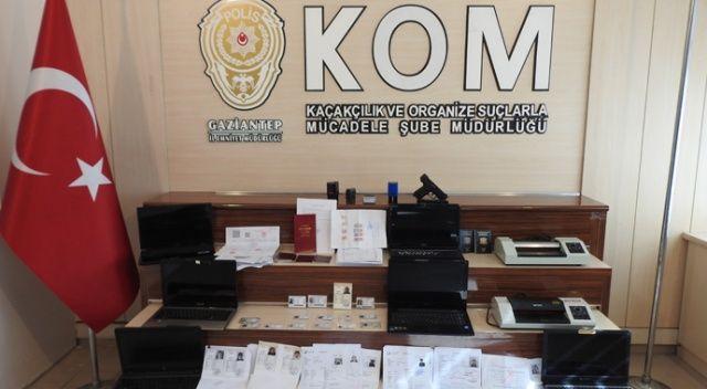 Resmi belgede sahtecilik yapan 2 kişi yakalandı