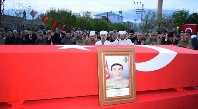 Şehit asker memleketi Iğdır'da toprağa verildi