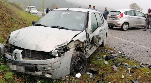 Sındırgı'da yağmurla gelen kaza: 5 yaralı