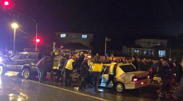 Üç otomobilin karıştığı kazada 1 kişi yaralandı