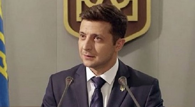Ukrayna'da Zelenski yüzde 73 oyla birinci oldu