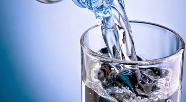 Diyetisyenler uyarıyor: İftar ve sahur arası 10 bardak su için