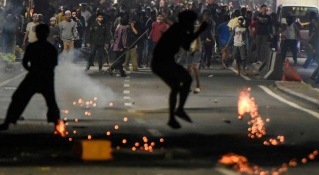 Endonezya'da seçim protestolarında arbede: 6 ölü, 200 yaralı, 69 gözaltı