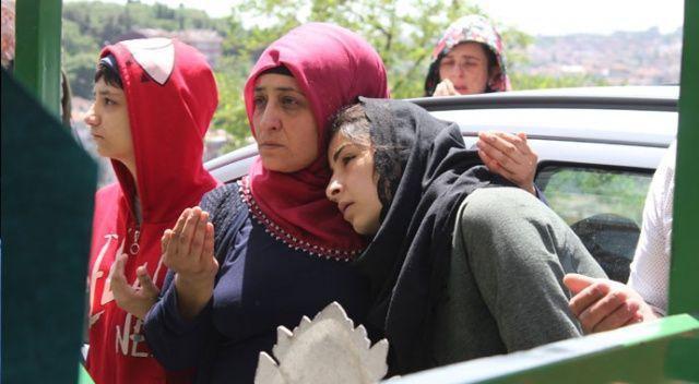 Eyüpsultan'da çukura düşerek ölen küçük Baran gözyaşlarıyla uğurlandı