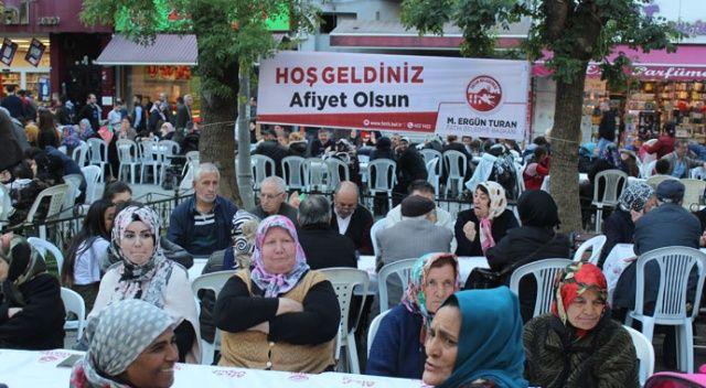 Fatih'te 5 bin kişi iftar sofrasında bir araya geldi