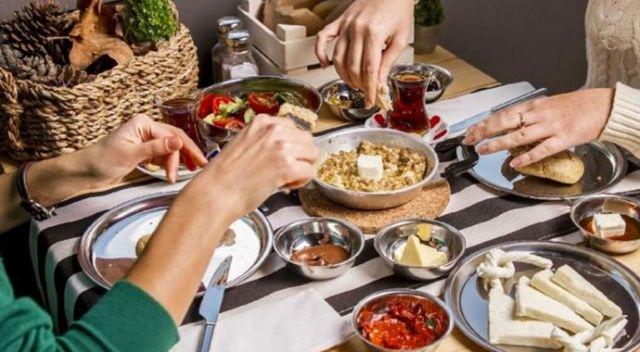 İftarda yenilen yemekler sahurda tüketilmemeli