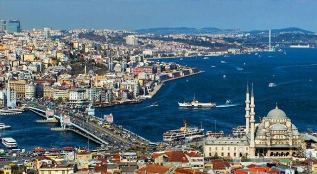 İstanbul'da şiir susunca hikâye konuşur