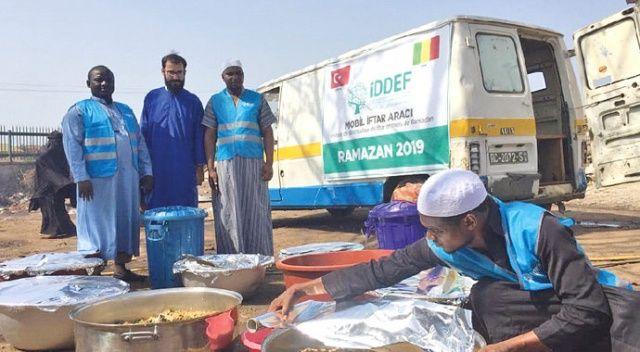 Mobil iftar araçlarıyla yoksullara ulaşıyor