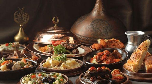 Sağlıklı beslenmeye Ramazan'da da devam edin