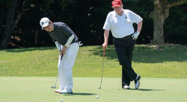 Trump, Japonya Başbakanı ile golf oynayıp sumo maçı izledi