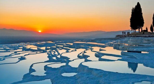 'Dünya Harikası' turistle dolup taştı