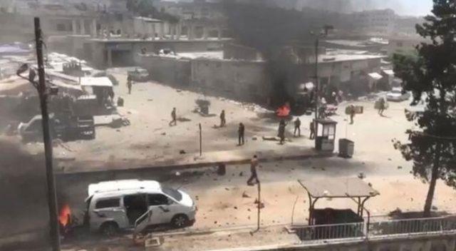 Afrin'de bir araca bombalı saldırı