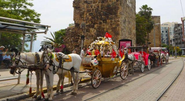 Antalya'da fayton dönemi sona erdi
